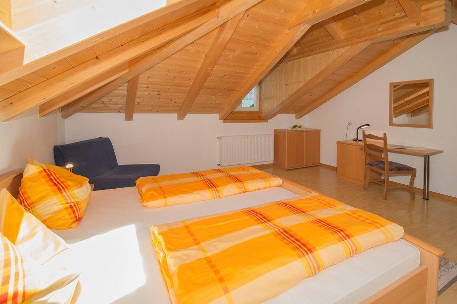 hocheppan 50 m2 die wohnungen angerheim. Black Bedroom Furniture Sets. Home Design Ideas